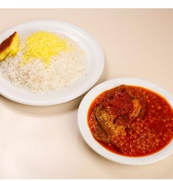 يخنة الأرز مصنوع من الباذنجان